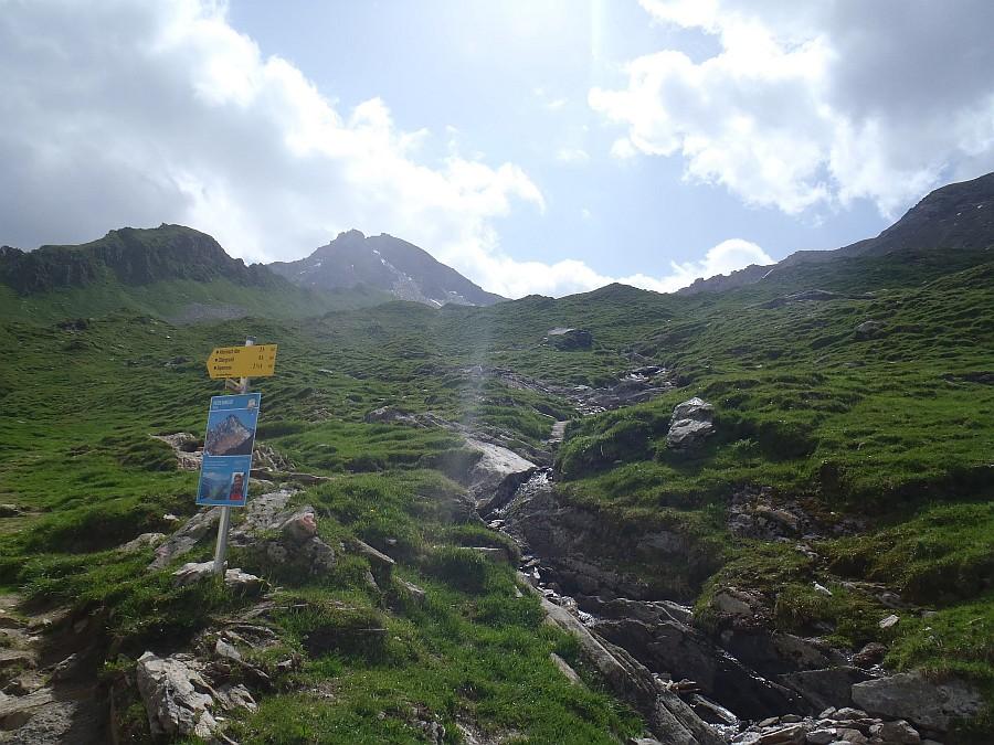 Začátek cesty od Edelhütte na Ahornspitze