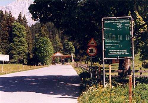 Dachsteinstrasse