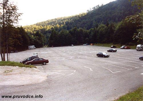 Parkoviště u lanovky Dachstein Krippenstein Seilbahn