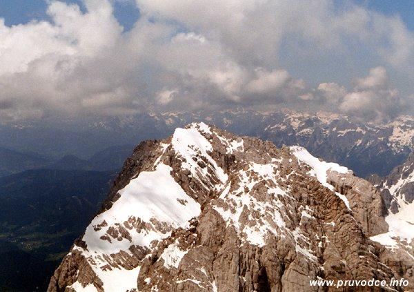 Mitterspitz z vrcholu Hoher Dachsteinu