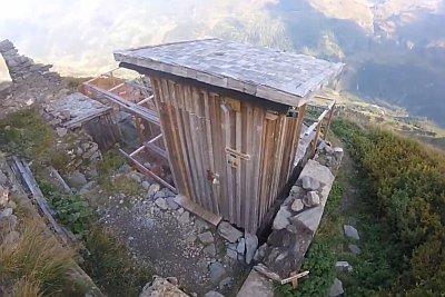 Schwarzenberghütte - panorama WC
