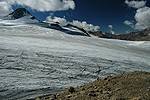 Ledovec Hochjochferner a vlevo Finailspitze (3516 m.n.m.)