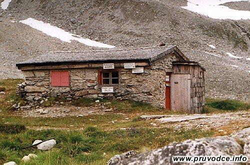 Winterraum u chaty Richterhütte