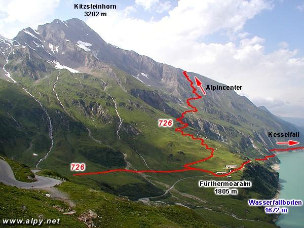 Část cesty mezi Nördliche Kammerscharte a Fürthermoaralm v pohledu od Mooserboden